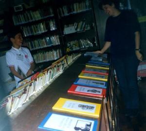 Biblioteca Dúvida002