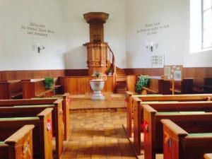 Interior da igreja onde foram realizados os sorteios.